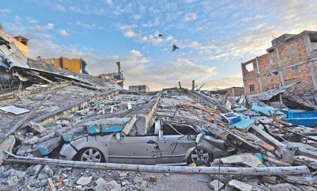 La población de Manta fue una de las más afectadas por el terremoto que impactó a Ecuador con una magnitud de 7.8. Foto: AFP.