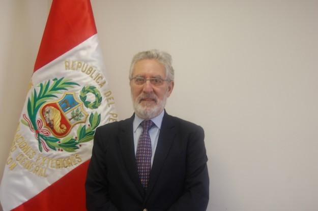 Cónsul del Perú en Boston elogia participación de peruanos en jornada electoral.