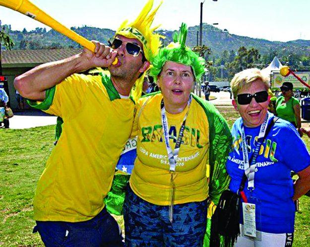 26-27-brazil fans