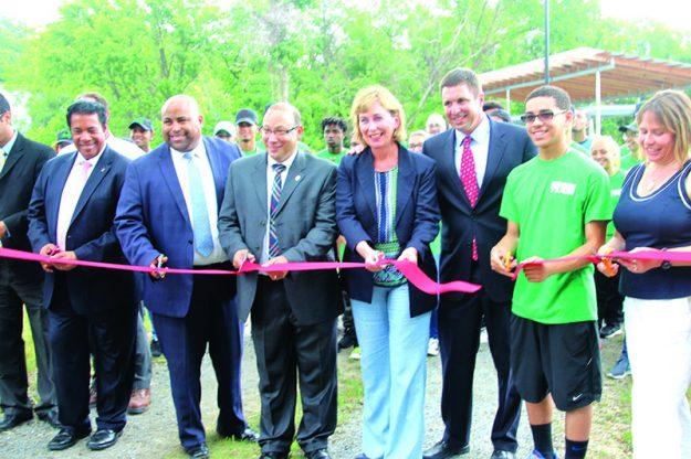 ➥➥ Inauguran parque Ferrous el pasado 29 de junio en la calle Marston en Lawrence. Foto: Yadira Betances.
