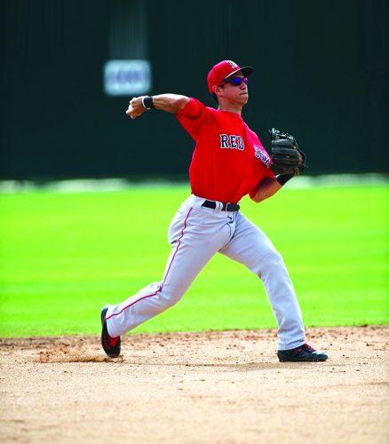 Mauricio Dubón jugó en el entrenamiento primaveral con los Medias Rojas de Boston.