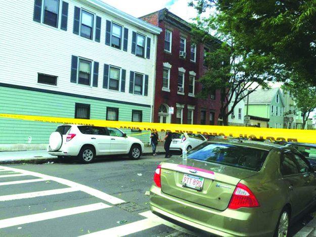 ➥➥ Policía sigue de cerca sobre el asesinato en la Paris St. en East Boston.