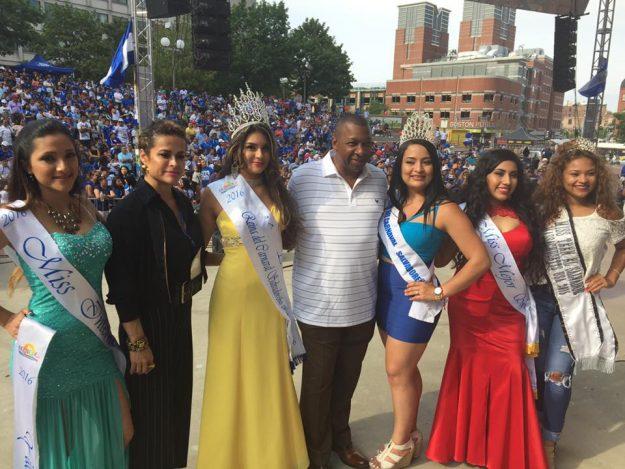 Las Reinas del Carnaval Salvadoreño de Boston 2016 reciben muchas felicitaciones.