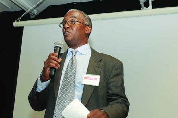 ➥➥ Paul Alexander, director de Mercadeo y comunicaciones de Eastern Bank.