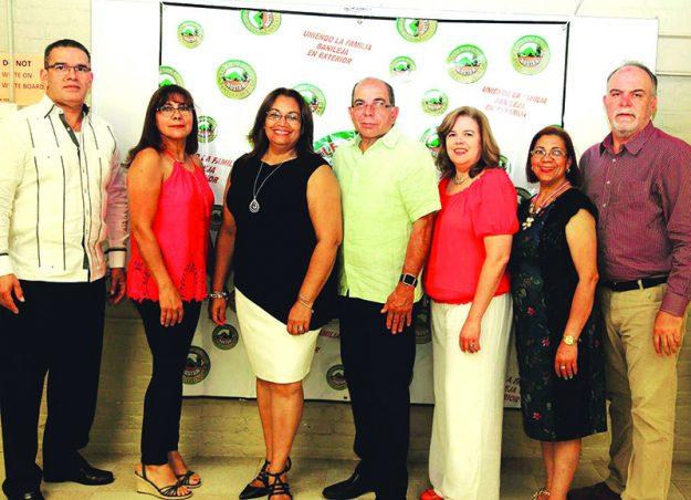 ➥➥ Nueva junta directiva de Banilejos Unidos en el Exterior. De izquierda a derecha: Frank Melo, Mirla Luna, Yvette Gonzalez, Luis Franjul, Fátima Romero, Amanda Lara y Gabriel Troncoso.