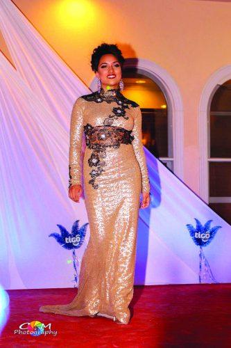 ➥➥ Michelle Romero, quedó de segunda finalista.