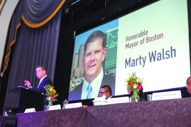 ➥➥ Mayor of Boston Marty J. Walsh having a blast during the El Mundo Hispanic Heritage Breakfast.