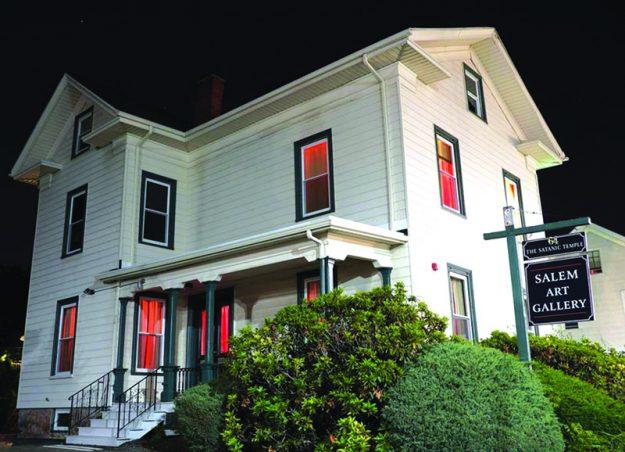 ➥➥ Así luce el Templo Satánico en Salem, que abrió sus puertas el pasado viernes 23 de septiembre.