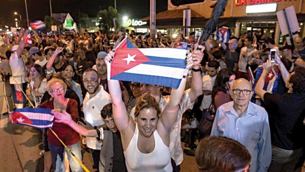 1-cover_cubanos-celebra-muerte-fidel-02