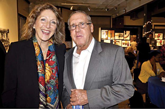 ➥➥ Primera Dama del Estado, Laura Baker y el Director Ejecutivo de Operation Bootstrap, Edward Tirrell.