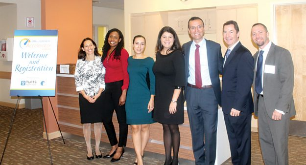 East Boston Neighborhood Health Center y Tufts Health Plan presentan foros para el desarrollo de los pequeños negocios. From left to right, the photo is Rebecca Rosen from Tufts Health Plan, Shani Bird and Kelli Jo Vazquez from Global View Communications, Andrea Kenneally, Juan Lopera and Dean Bushey from Tufts Health Plan, and Adnai Mendez from East Boston Savings Bank.